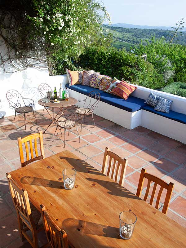 An image of the seating area on the kitchen terrace